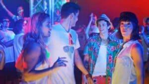 plesanje u noćnom klubu, kadar iz spota follow the sun ronhill, tv reklama, video produkcija, produkcija video sadržaja